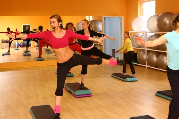 Фитнес центр юна спорт расположен